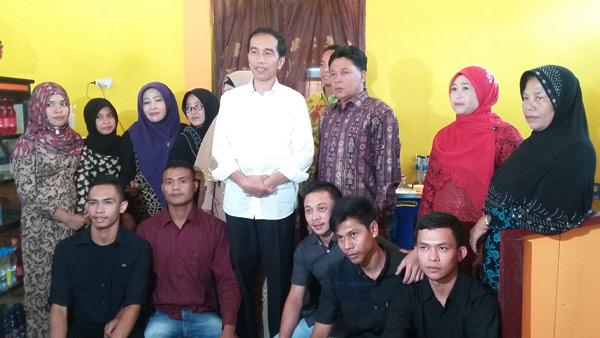 PST-bersama-Jokowi