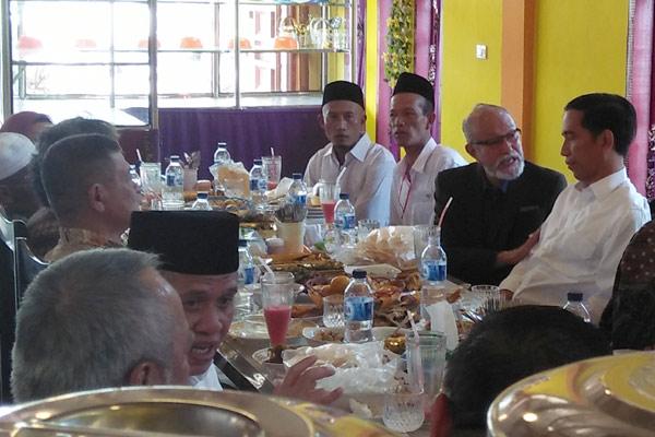 Jokowi usai makan bersama di PST, Rabu 2 maret 2016. (foto : ist)