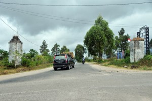 Simpang KKA Bale Atu Bener Meriah. Lurus ke Pante Raya, kiri ke Redelong dan ke kanan jalan ke Simpang KKA Aceh Utara. (LGco_Khalis)