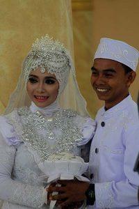 Pose bersama selepas akad nikah