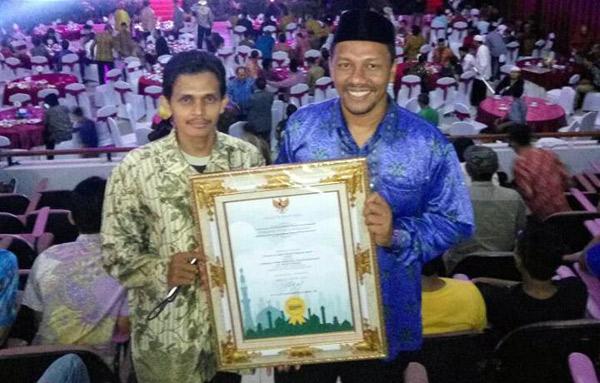 IKAT-raih-Award-2