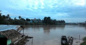 Sungai Tamiang Meluap Cafe Apung Tutup