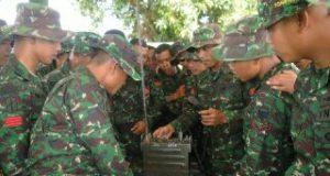 Peleton Komunikasi Raider Khusus 111 Gelar Penataran Radio