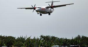 Masyarakat Antusias Saksikan Proving Flight Wings Air di Rembele