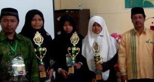 Qira'atul Qutub dan Fahmil Putri Aceh Tengah Raih Juara
