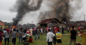 [Foto-foto] Kebakaran di Arul Kumer Silihnara
