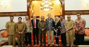 PT. Lafarg Siap Jadi Partner Pembangunan Pemerintah Aceh