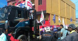 Ratusan Kenderaan Antar Khairul Asmara-Zulfikar Mendaftar ke KIP Aceh Tengah