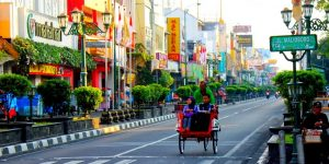 romantic-becak-at-malioboro-street-jogja
