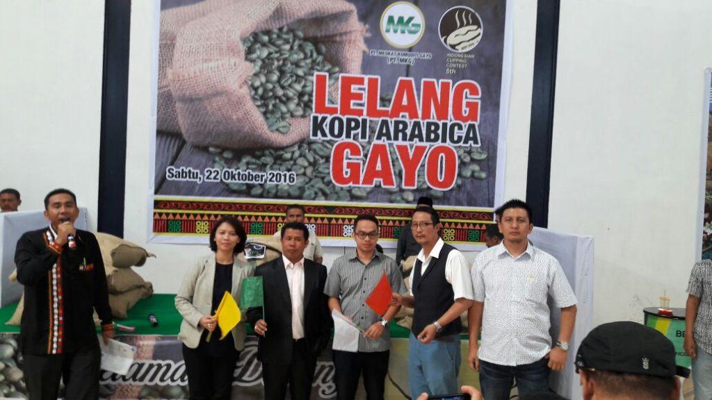 Lelang kopi spesialti oleh PT. Meukat Komuditi Gayo
