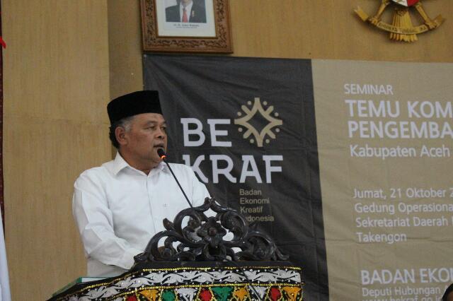Muhammad Syukri, penulis buku Hikayat Kopi menyampaikan sekilas tentang buku yang ditulisnya