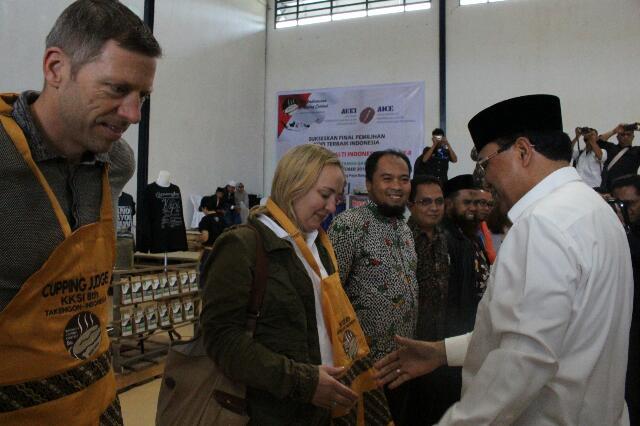 Pengukuhan juri KKSI 8 oleh Bupati Aceh Tengah, Ir. H. Nasaruddin, MM
