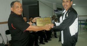 Ketua Harian KONI Aceh Terima Penghargaan Sahabat PWI