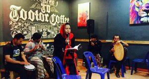 Hentakan Penyair Kopi Dunia di Totor Cafe Takengon
