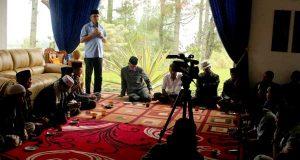 """Keluarga Besar (Alm) """"Reje Kaya"""" Akan Menangkan Irwandi-Nova"""