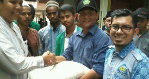 STAI Al Aziziyah Terima Bantuan Mahasiswa STAIN GP dan Remaja Masjid Ruhama