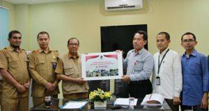 Karyawan dan ASN Menko PMK Serahkan Bantuan Gempa Aceh