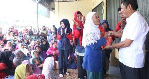 Keluarga Rumah Tangga Miskin Terima Dana Surplus PNPM Mandiri