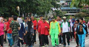 Gerak Jalan Santai, Tandai Peringatan Hari Amal Bakti di Banda Aceh