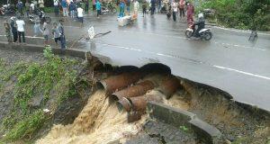 Hujan Deras, Jalan Ujung Batee Nyaris Putus