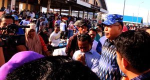 Cawagub Nova Iriansyah Kunjungi Pasar Ikan Lampulo