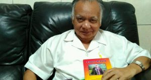 dr. Hasanuddin Alim, Sp.Pd Susun Lima Buku Lagu Gayo