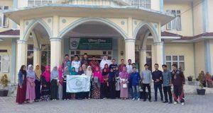 Plt Ketua STAIN Gajah Putih Lepas Mahasiswa Studi Banding Ke Jogjakara