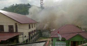 Kepulan Asap Terlihat di Mapolres Aceh Tengah
