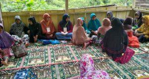 Banyak Ibu tak Bisa Baca Al-Qur'an Jadi Perhatian Mahasiswa KPM STAIN di Pilar Jaya