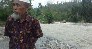Kesaksian Tokoh Lumut Aman Dar; Melihat Manti Tengah Mencari Ikan