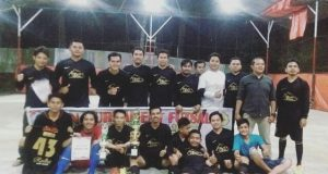 Dua Tim Blower Coffee House Juarai Turnamen Futsal Himatelogi
