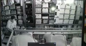 Terekam CCTV, Maling ini Beraksi di Toko Mitra Galery Jalan Lintang Takengon