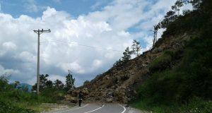 Longsor di Jalan Nasional Lut Tawar Mulai Dibersihkan