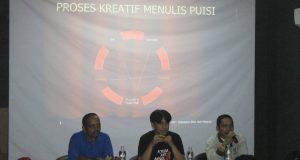 """Antologi Puisi """"Aceh 5:03 6,4 SR"""" Diluncurkan di Padangpanjang"""