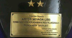 Setelah Mendagri, Giliran Menkopolhukam Beri Penghargaan untuk Aryos Nivada