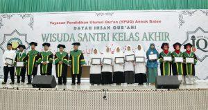 Wisuda Alumni Pertama, Dayah IQ Lahirkan Hafiz Al-Qur'an 30 Juzz