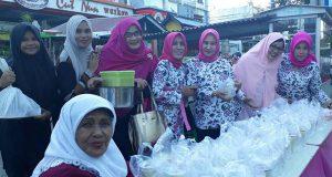 "Ikaboga Aceh Bagi-Bagi Makanan ""Buka Puasa"" di Lampineung"