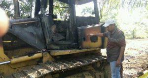 Polisi Ciduk Pelaku Pembakar Buldozer di Desa Ara Lipeh Bireuen