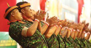 Prajurit TNI Tarikan Saman Gayo Lues Sambut Panglima di Aceh