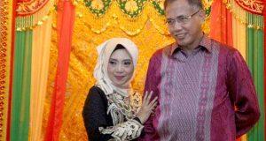 """Foto-Foto Wagub Nova Iriansyah bersama """"Keluarga Besar"""""""
