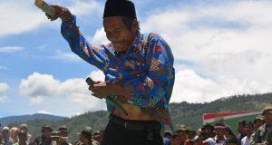 Serunya Dabus di Dabun Gelang, Perwira TNI Ini Ikut Tikam Diri?