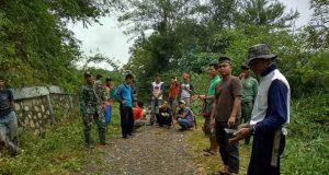 Warga Linge Gotong Royong Menyambut Pengukuhan GENALI