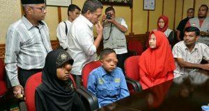 Irwandi Semangati Anak Penderita Kanker, 2 Diantaranya Asal Celala Aceh Tengah