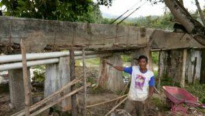 Saluran irigasi yang rusak di Jamat Linge
