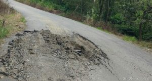Merusak Jalan, Warga Minta Pemkab Bener Meriah Tertibkan Truk Bermuatan Lebih