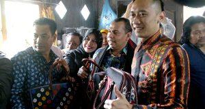 "Kenakan Busana Bermotif ""Gayo Lues"", Ini Penjelasan Ibas Yudhoyono"