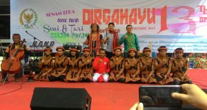 Kolaborasi Fikar W Eda dan Tari Saman Pukau Penonton di HUT DPD RI