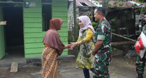 HUT TNI Ke-72, Dandim 0106 Serahkan 2 Unit Rumah dan Sembako Kepada Veteran