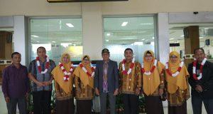 Menteri Agama RI Beri Penghargaan Kepada Lima Guru Madrasah Asal Aceh