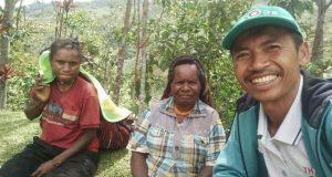A Baro! Penyuluh Asal Gayo Ajari Petani Kopi di Papua